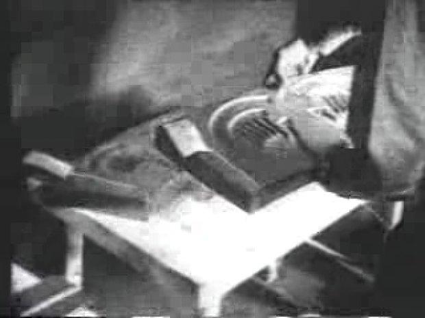 Seltenes Video-Material von UFO-Teilen