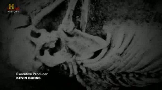 Ancient Aliens - S02E05 - Technologien im Dritten Reich