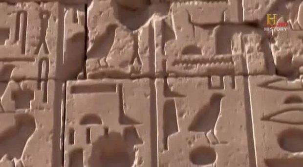 S05E01 Ancient Aliens - Geheimnisvolle Pyramiden